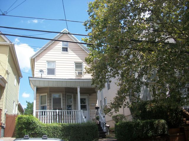 3 BR,  1.00 BTH  Colonial style home in Bayonne